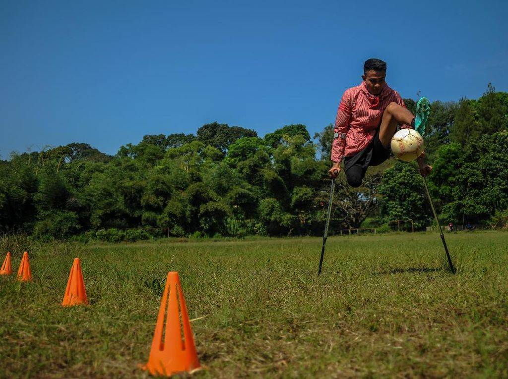 Semangat Atlet Timnas Indonesia Amputee Football Berlatih