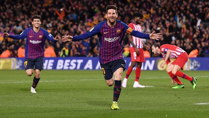 BARCELONA, SPAIN - APRIL 06:  Lionel Messi of Barcelona celebrates after scoring his teams second goal during the La Liga match between FC Barcelona and  Club Atletico de Madrid at Camp Nou on April 06, 2019 in Barcelona, Spain. (Photo by Alex Caparros/Getty Images)