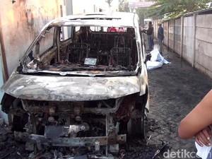 Peristiwa di Jatim: Pembakaran Mobil Via Vallen-Pemakaman Didi Kempot di Ngawi