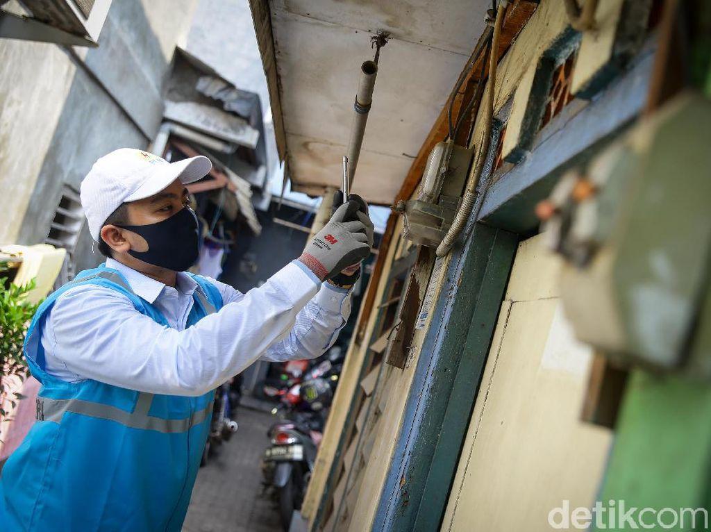 Asyik! 57 Ribu Rumah di Daerah Ini Dapat Sambungan Listrik Gratis