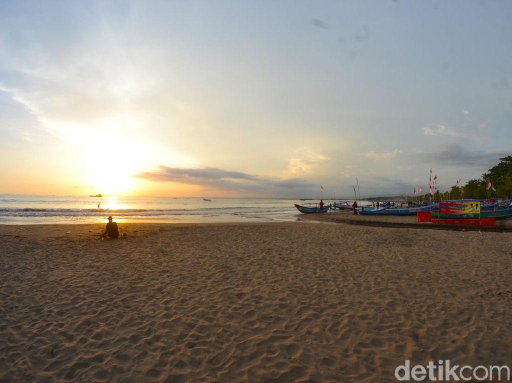 Masuk Pantai Pangandaran Tak Perlu Lagi Rapid Test COVID-19