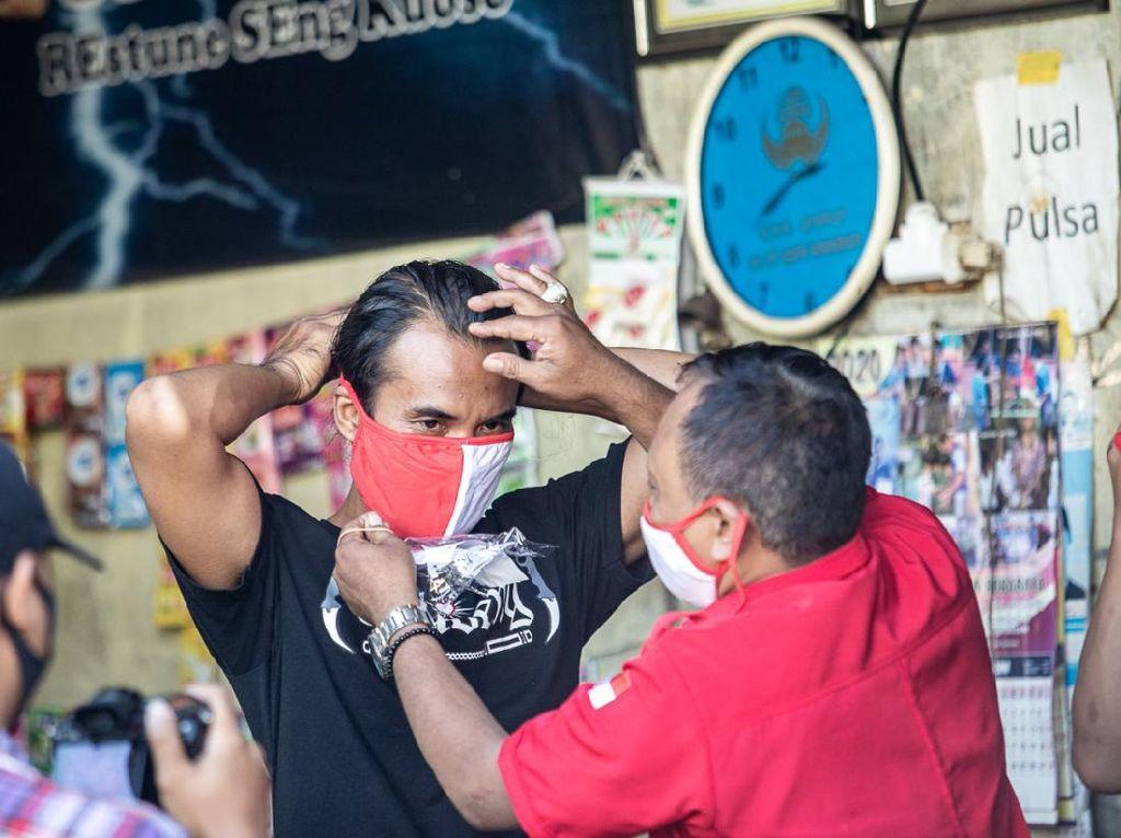 Tak Terprovokasi Kasus Bendera Dibakar, PDIP Surabaya Ngebut Aksi Sosial