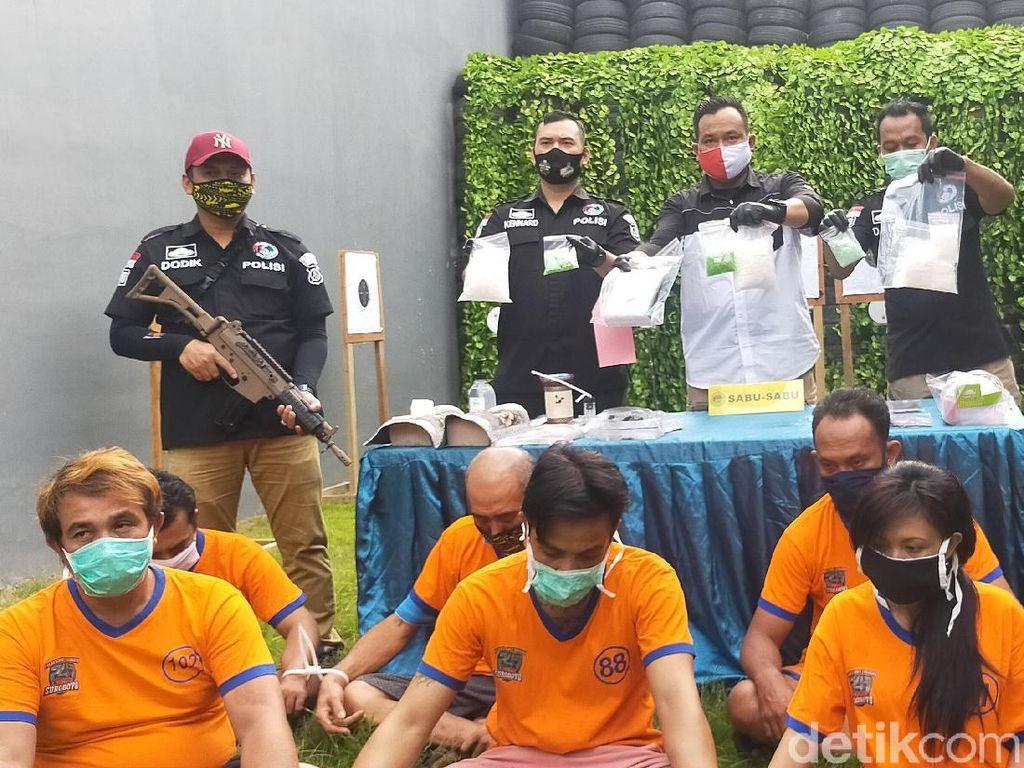 Polisi Sita 1,8 Kg Sabu dari 7 Pengedar di Surabaya dalam 2 Pekan