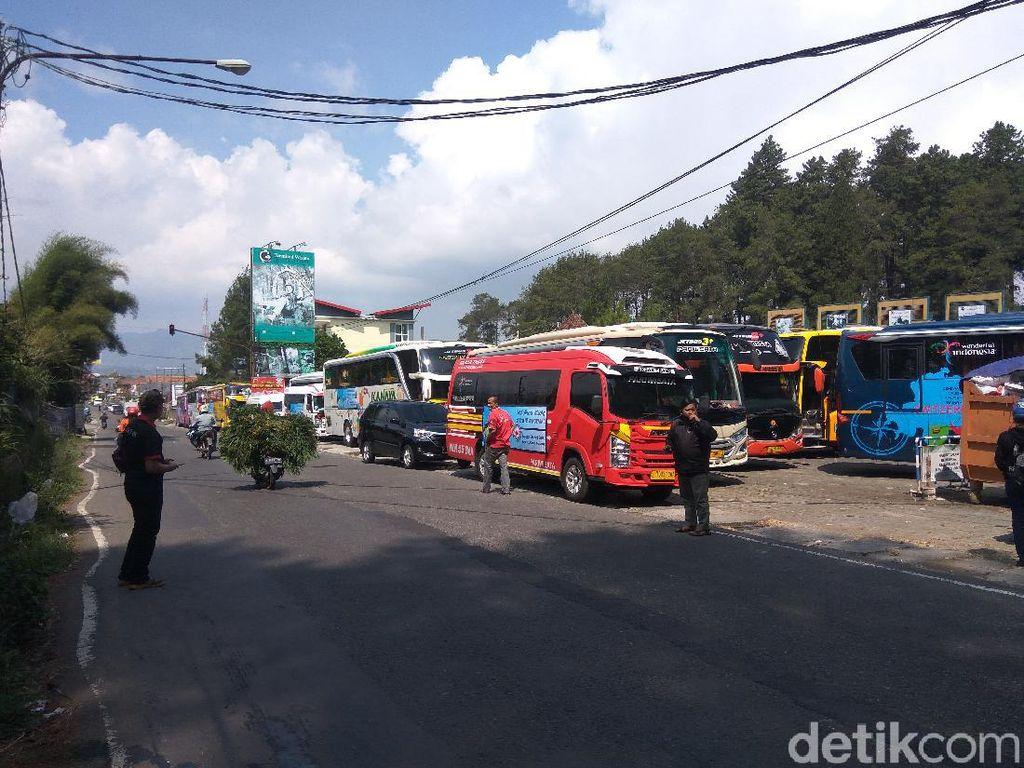 Konvoi 46 Bus ke Lembang, Bos Otobus Minta Restu Bawa Wisatawan Jabodetabek