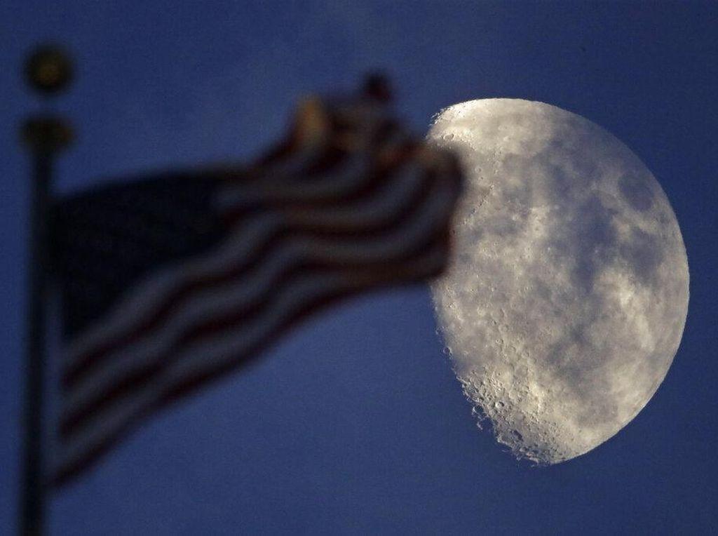 Pesona Bulan dan Matahari di Langit Kansas