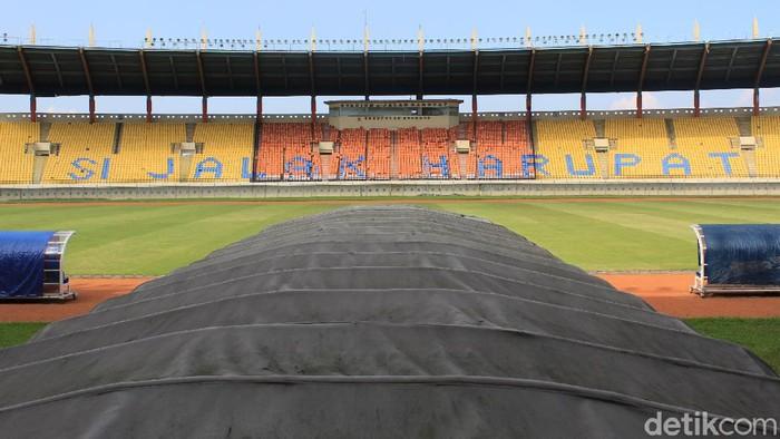 Pemerintah Kabupaten Bandung terus berbenah usai Stadion Si Jalak Harupat resmi ditunjuk jadi salah satu venue perhelatan Piala Dunia U-20 di tahun 2021 nanti.