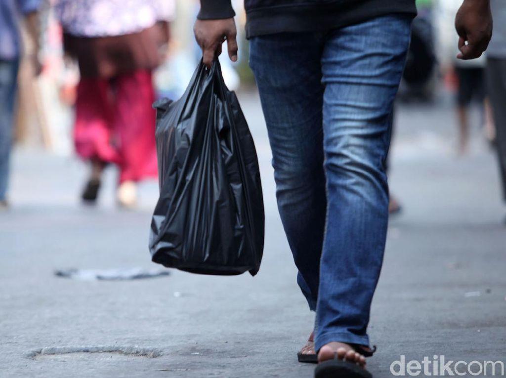 Larangan Kantong Plastik di Jakarta Berlaku, Dinas LH DKI Belum Beri Sanksi