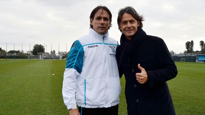ROME, ITALY - MARCH 01:  SS Lazio head coach Simone Inzaghi poses with his brother Filippo Inzaghi before the SS Lazio training session at Formello Training Center on March 1, 2019 in Rome, Italy.  (Photo by Marco Rosi/Getty Images)