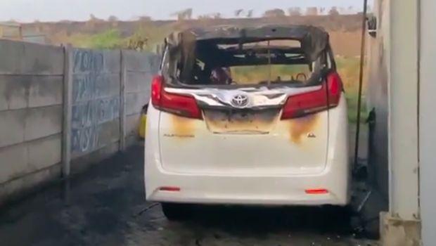 Mobil Milik Via Vallen Hangus Terbakar