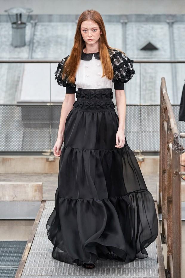 Busana mewah yang dikenakan Jennie Blackpink dalam 'How You Like That'