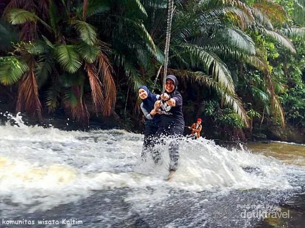 Pacu Adrenalin di Air Terjun Bertingkat Kandua Raya