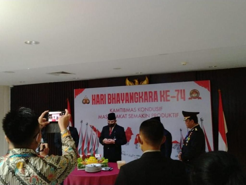 ICW Soroti Ketua KPK Firli Rayakan HUT Bhayangkara di Gedung KPK