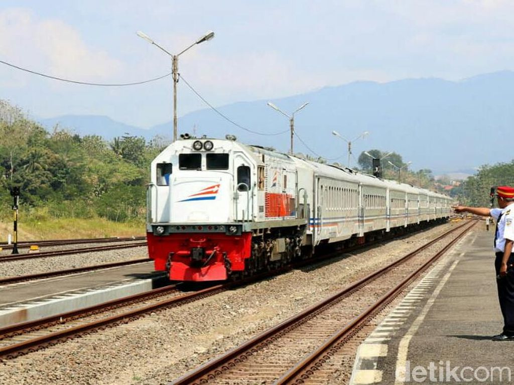 Naik Kereta Jarak Jauh Tak Perlu Lagi Pakai SIKM