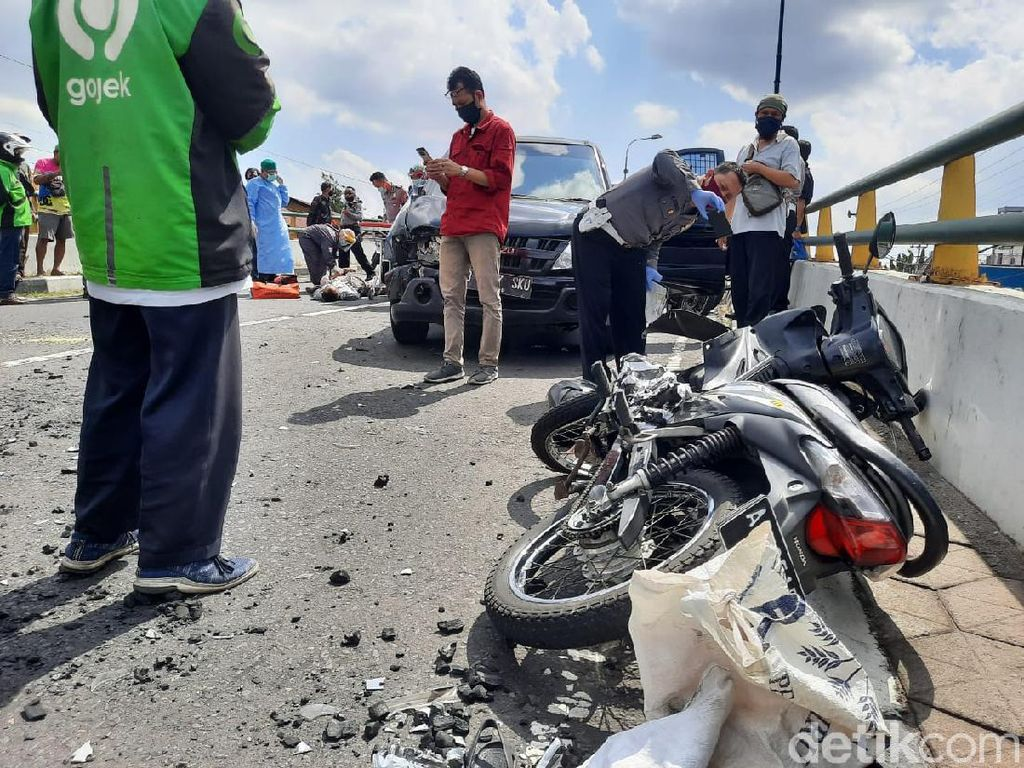 Tabrakan Motor Vs Mobil Pengangkut Uang di Flyover Yogya, 1 Orang Tewas