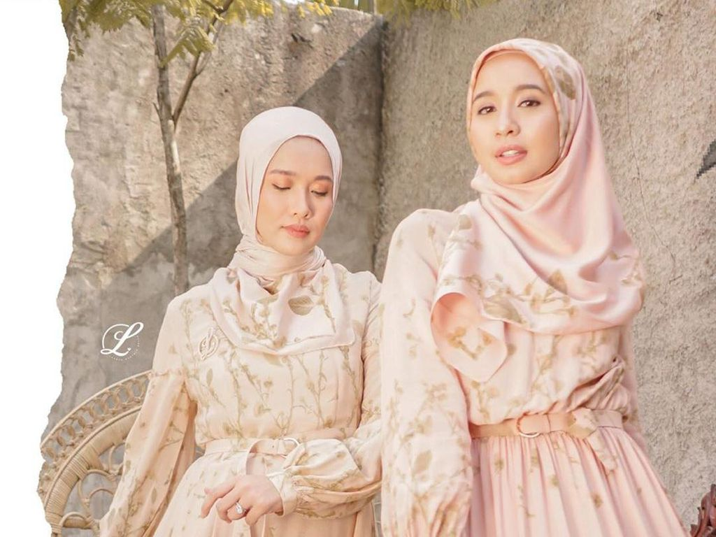 Laudya Cynthia Bella Rilis Koleksi Busana Muslim Bareng Ana Octarina
