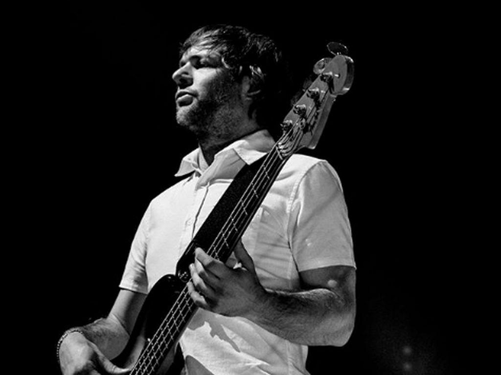 Bassist Maroon 5 Cuti dari Band Usai Terjerat KDRT
