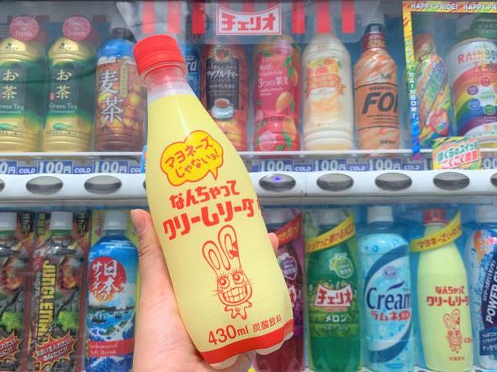 Mirip Botol Mayones, Minuman Soda Ini Bikin Gagal Fokus