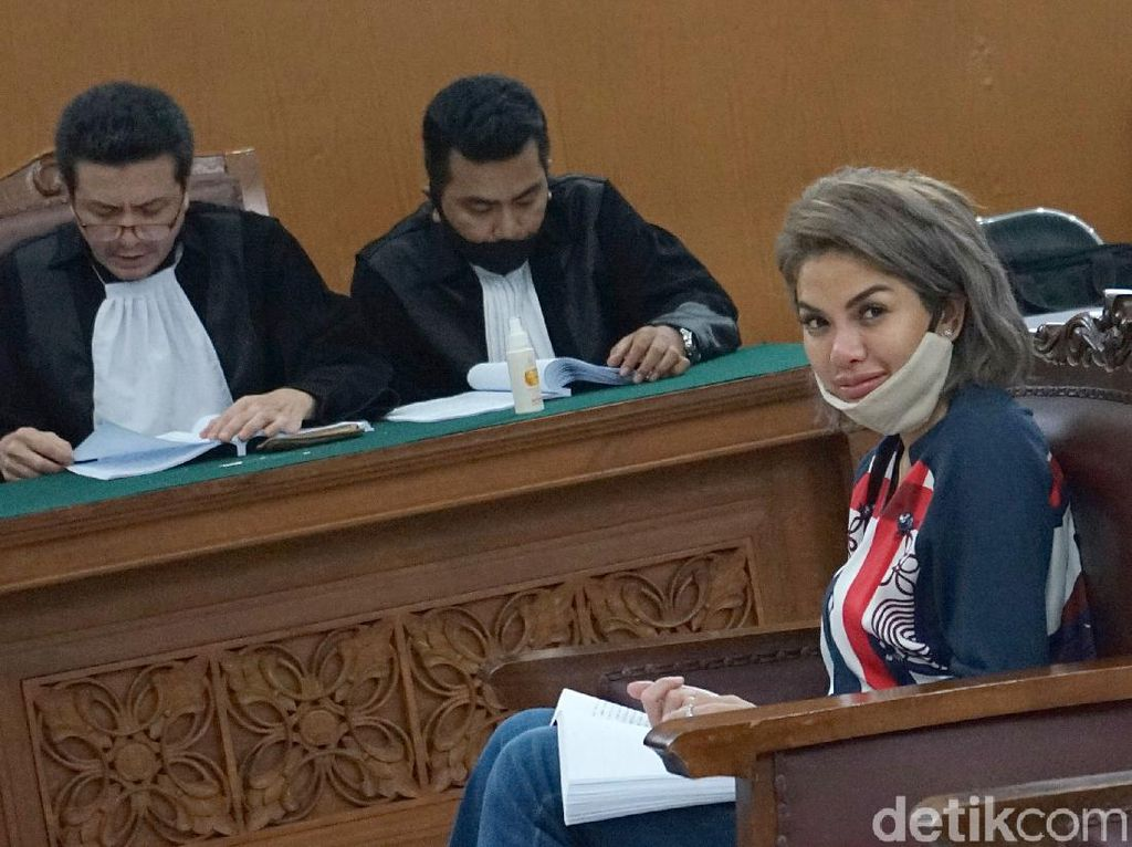 Nikita Mirzani Divonis 6 Bulan kasus Penganiayaan Dipo Latief