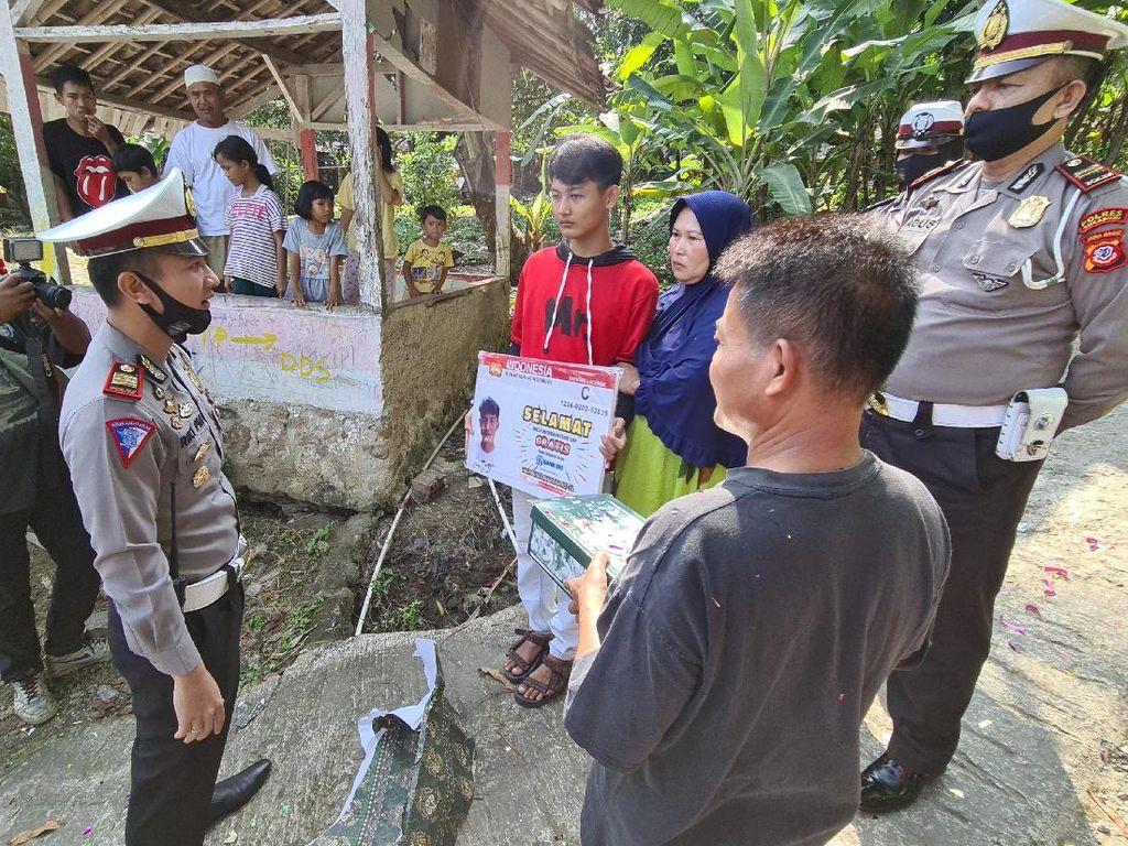 Kena Prank Polisi, Remaja di Sukabumi Dapat Hadiah SIM Gratis