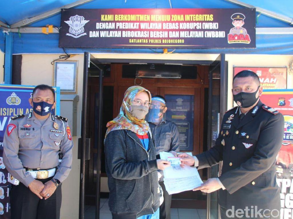 54 Pemohon SIM Bojonegoro Dapat Kado Istimewa di Hari Bhayangkara