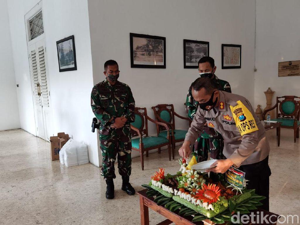 Kejutan Hari Bhayangkara di Kota Kediri dari TNI untuk Polisi