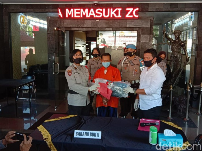 Seorang pria di Kota Malang menyetubuhi putri kandungnya sendiri. Padahal awalnya sang putri hanya meminta tolong untuk dipijat.