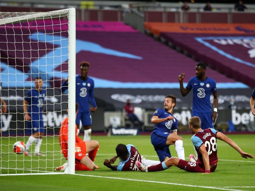 Drama VAR Hiasi Laga West Ham Vs Chelsea