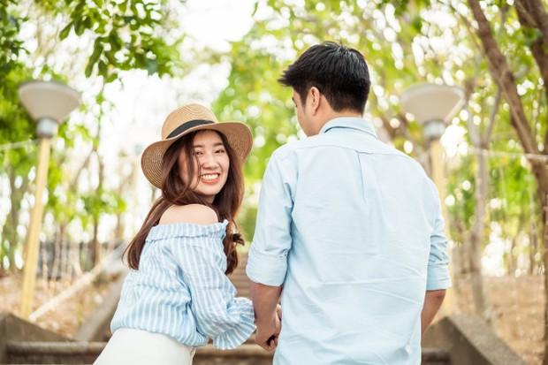 Ilustrasi oleh pasangan yang sedang kencan