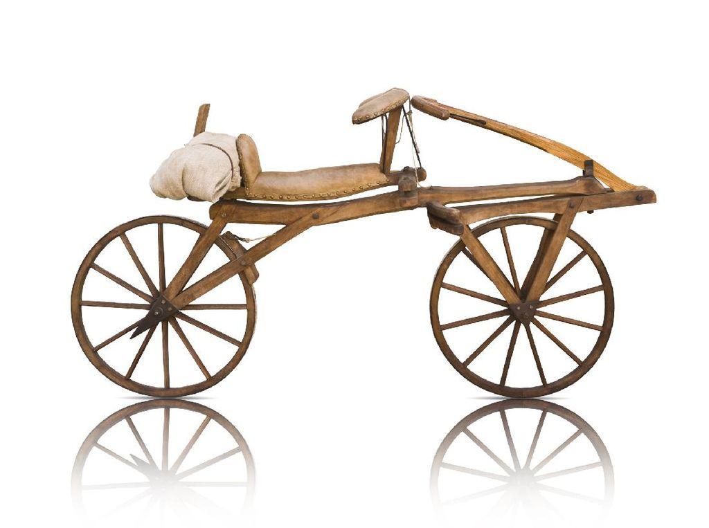 Sepeda Pertama di Dunia dan Versi Antik Lainnya