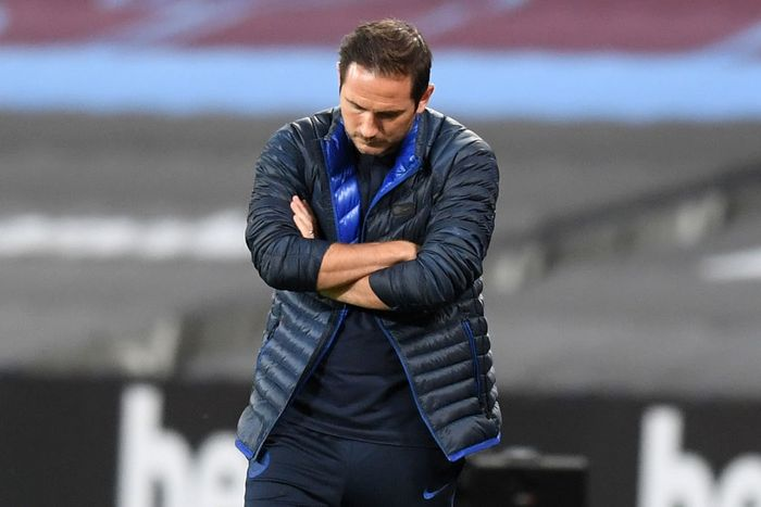 LONDON, ENGLAND - JULY 01: Frank Lampard, Manager of Chelsea reacts following the Premier League match between West Ham United and Chelsea FC at London Stadium on July 01, 2020 in London, England. Football Stadiums around Europe remain empty due to the Coronavirus Pandemic as Government social distancing laws prohibit fans inside venues resulting in all fixtures being played behind closed doors. (Photo by Michael Regan/Getty Images)