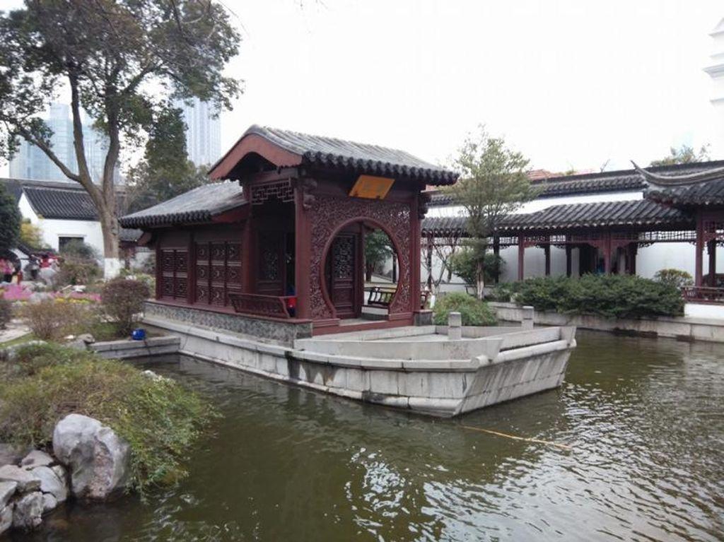 Begitu Megah Istana Kepresidenan Negeri Komunis China