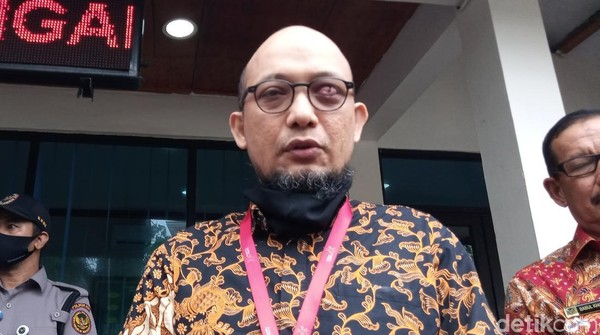 Penyidik KPK Novel Baswedan memenuhi panggilan Komisi Kejaksaan (Kadek Melda Luxiana/detikcom)