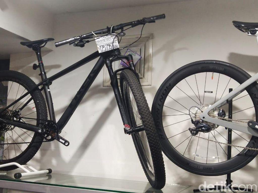 Ada Sepeda Seharga LCGC, Begini Penampakannya