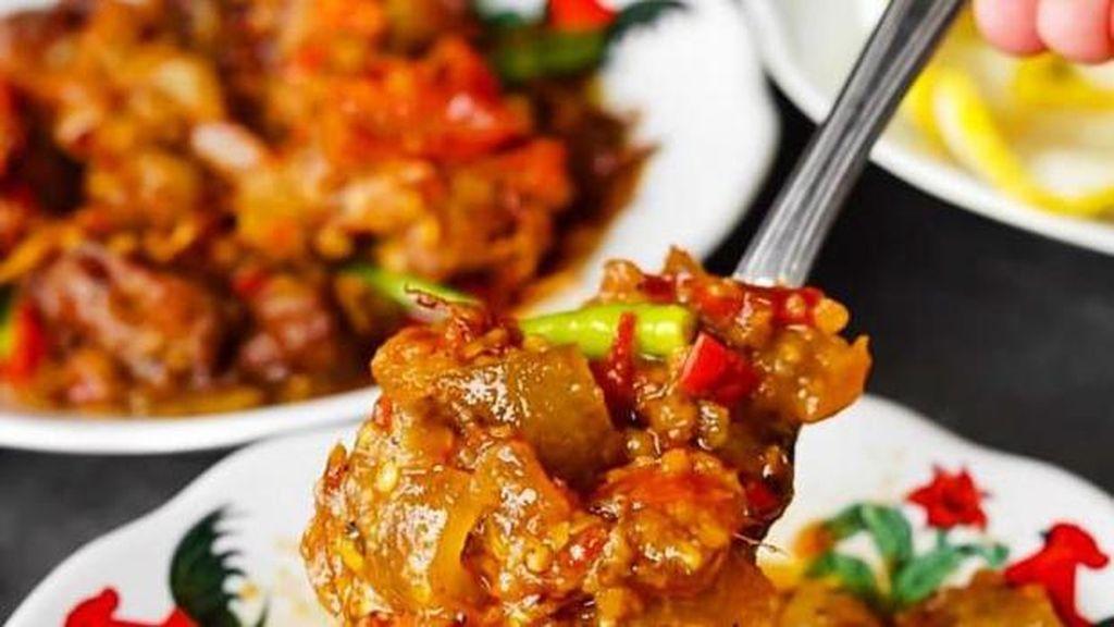 20 Makanan Serba Mercon Ada di Sini