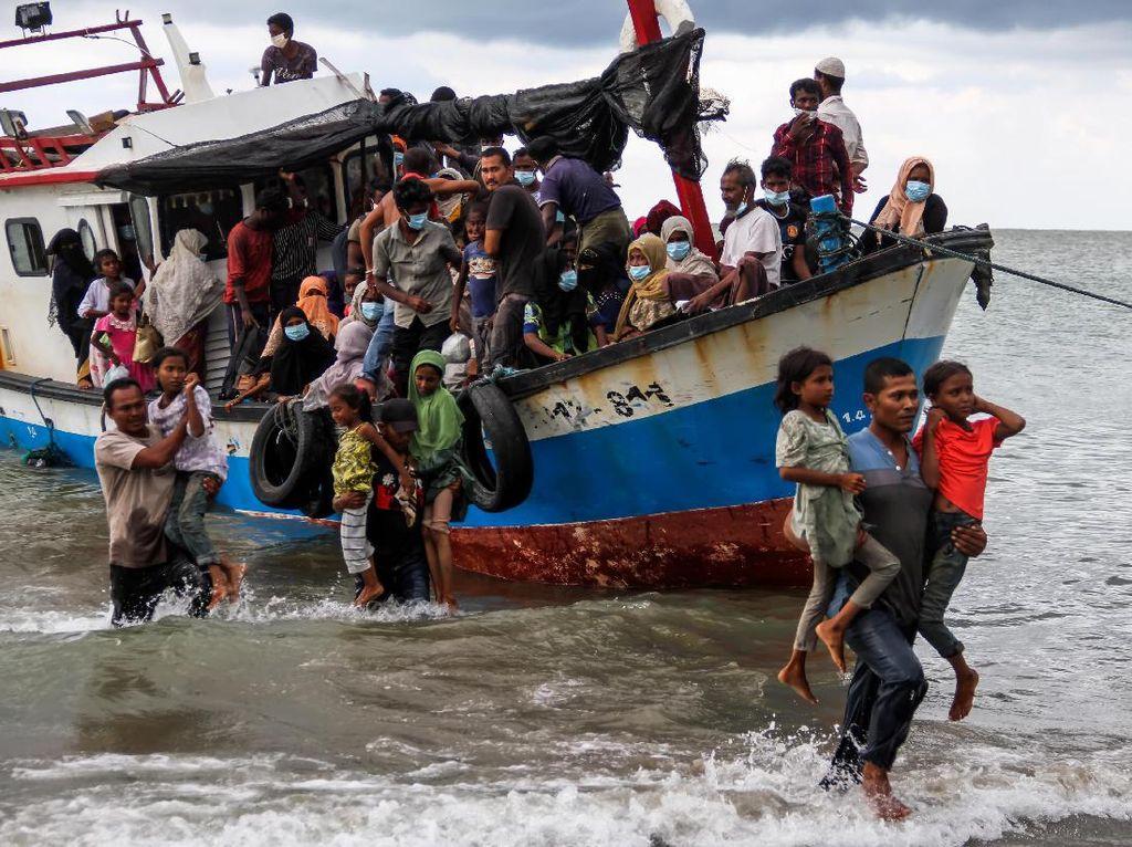 Nelayan Lapor Lihat Kapal Isi Imigran Rohingya Mengarah ke Aceh