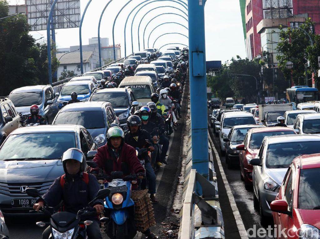 Jurus Pemprov Tangkal Macet Jakarta yang Bikin Rugi Rp 65 Triliun