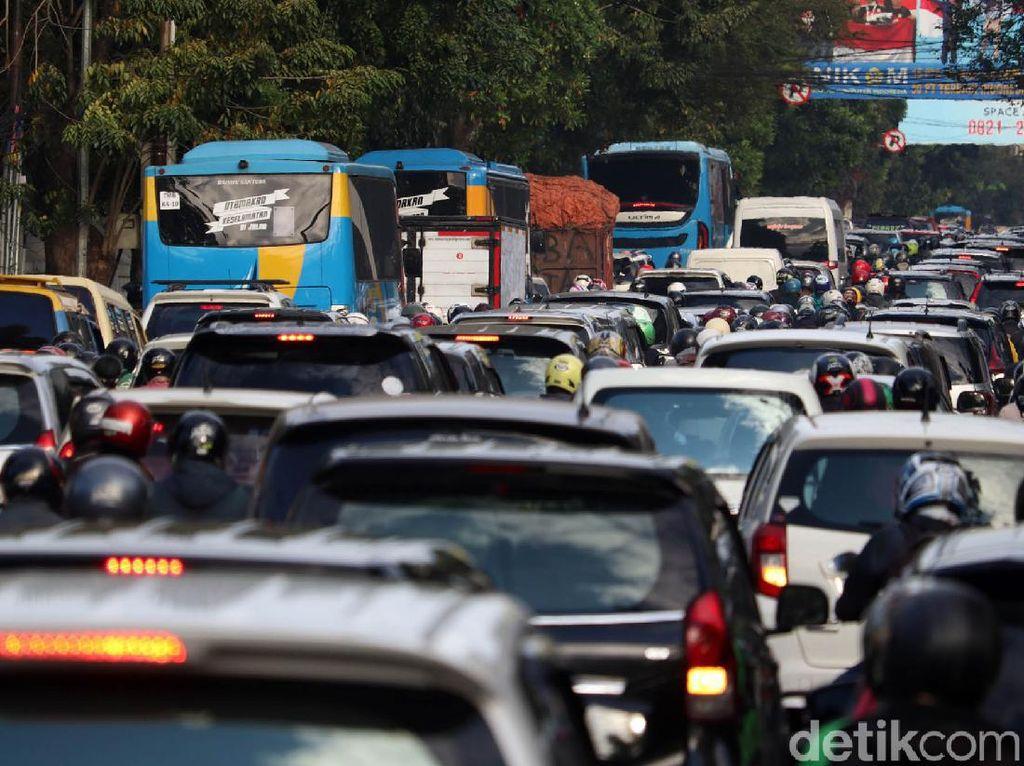 Orang RI Masih Malas Naik Transportasi Umum, Keok dari Malaysia