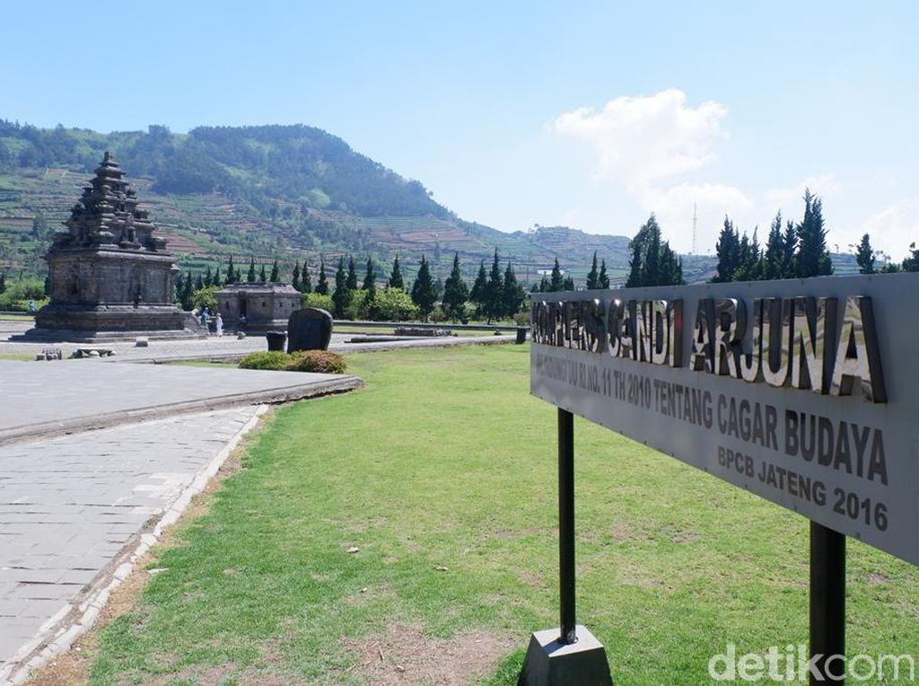 Potret New Normal di Candi Arjuna Dieng