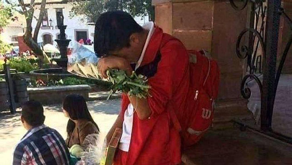 Deretan Foto Kesedihan Pria saat Ditolak Gebetan, Bikin Ikutan Nyesek