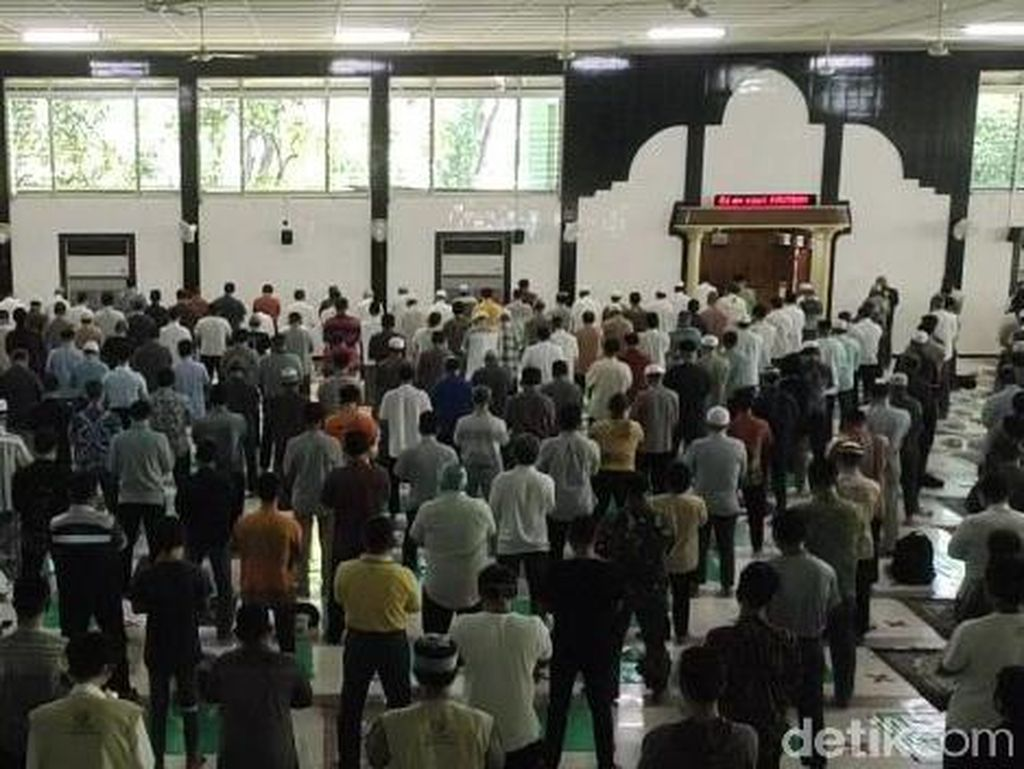 Akhirnya Masjid Al Falah Gelar Jumatan Setelah 15 Pekan Salat Zuhur