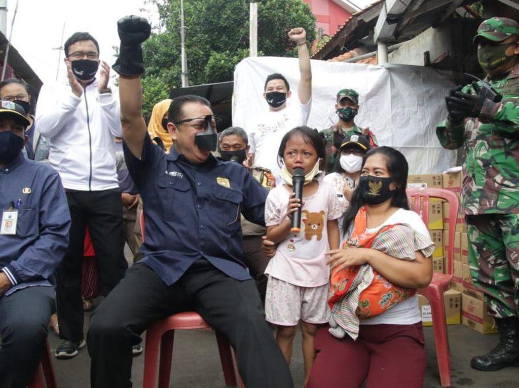 Berhadiah Sepeda, Ketua MPR Blusukan Sosialisasi 4 Pilar ke Pemulung
