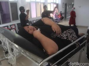Berbobot 145 Kg, Perempuan Ini Dirawat di RSUD Sumedang