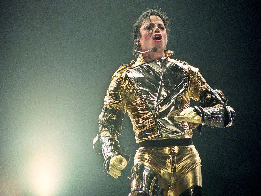 Hiii... Tetesan Darah Michael Jackson Akan Dilelang Rp 37 Juta