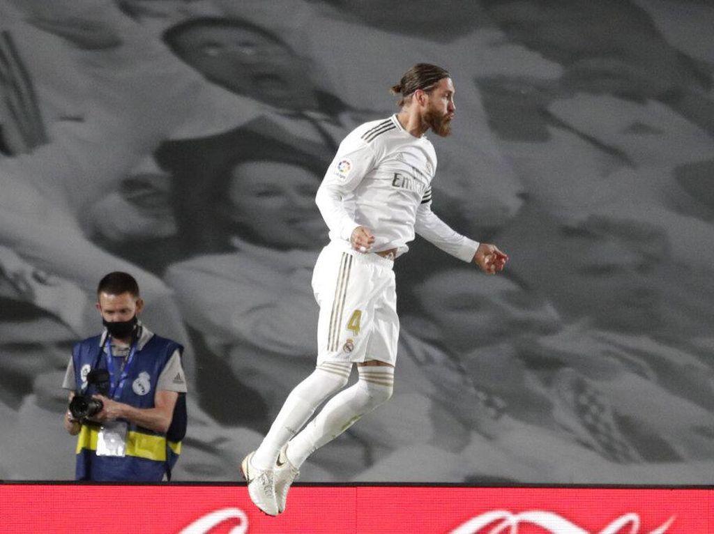 Sergio Ramos Cetak Gol Penentu di Laga ke-450