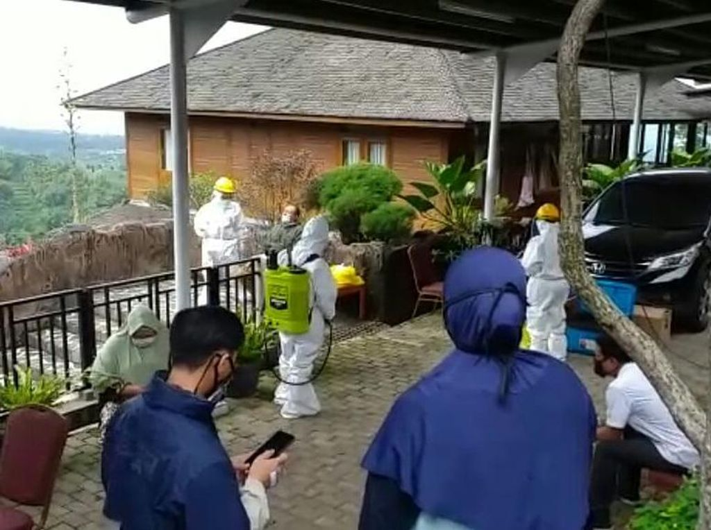 Sempat Jaga Rumah Hilmi Aminuddin, Sejumlah Polisi-TNI Jalani Swab Test
