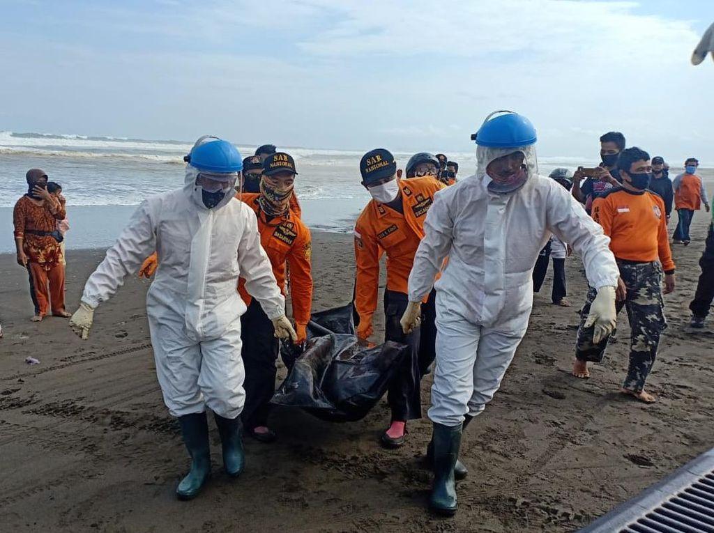 Warga Banyumas yang Terseret Ombak di Pantai Cilacap Ditemukan Tewas