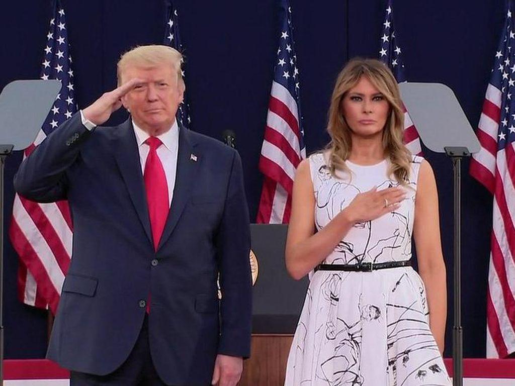 Trump Pimpin Perayaan Kemerdekaan AS di Tengah Naiknya Kasus Corona