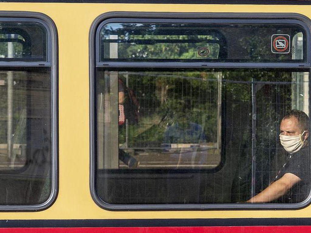Penumpang Bandel Tak Pakai Masker? Perusahaan Berlin Punya Solusi Jitu!