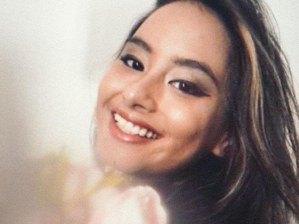 Adik Maudy Ayunda Tak Kalah Cantik, Senyumnya Bikin Klepek-klepek!