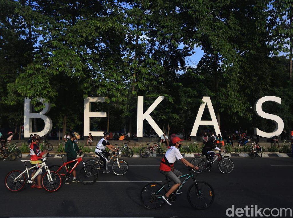CFD Digelar Lagi, Pesepeda Ramai-ramai Gowes di Bekasi